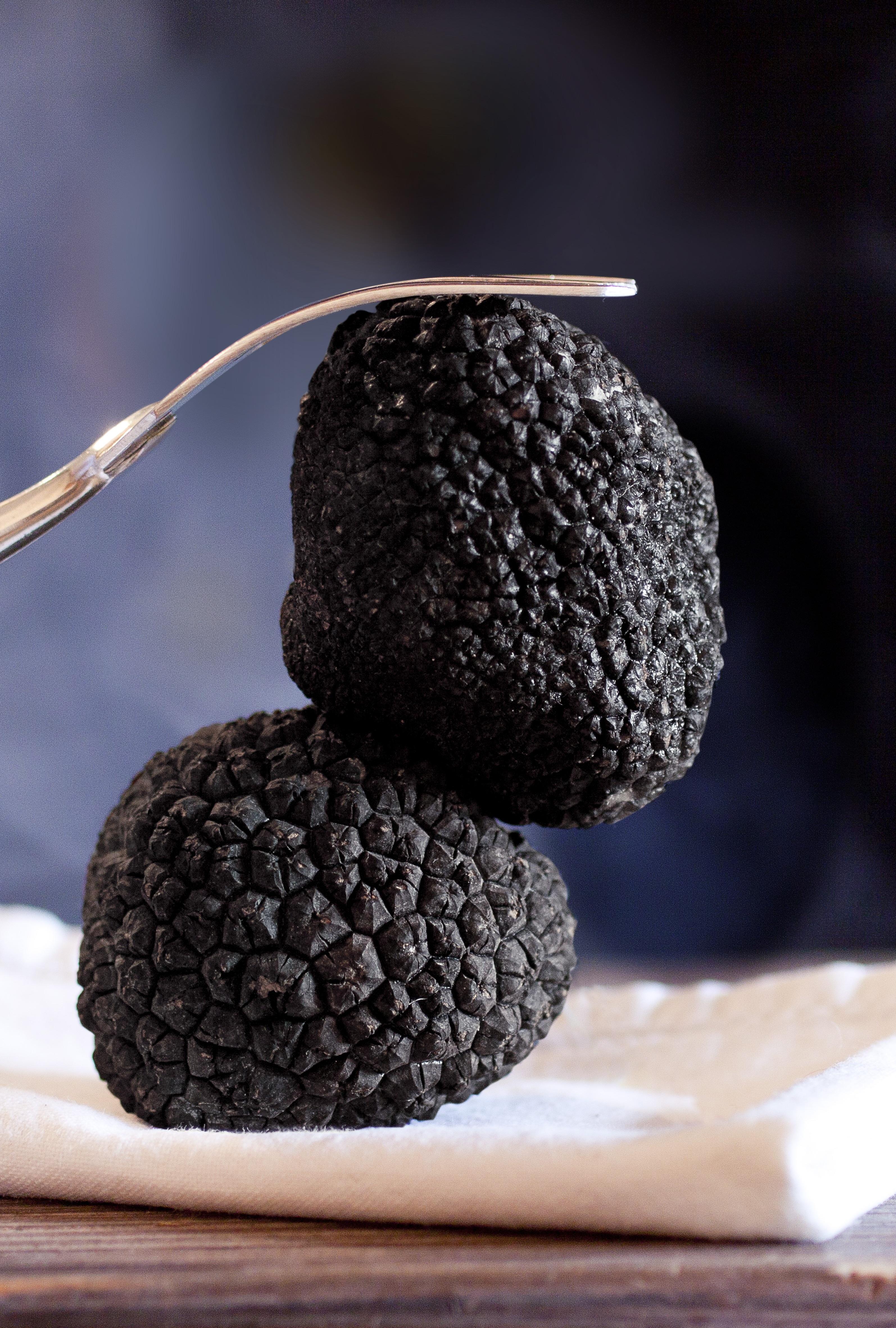 2 pcs of Whole Black Truffles