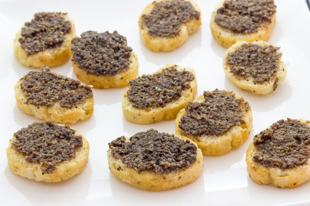 Bisquits with Black Tartufata